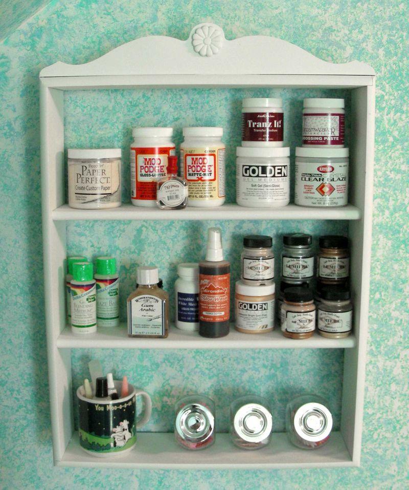 Detail---three-shelf-unit-2