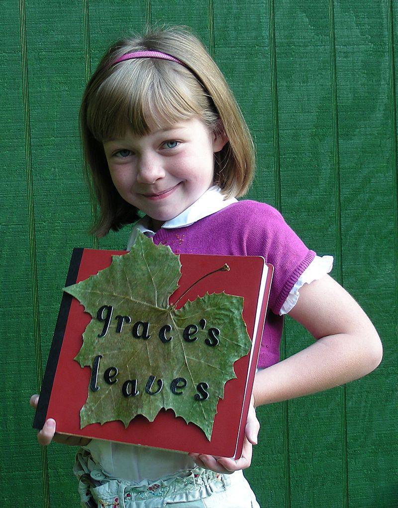Grace-with-her-Leaves