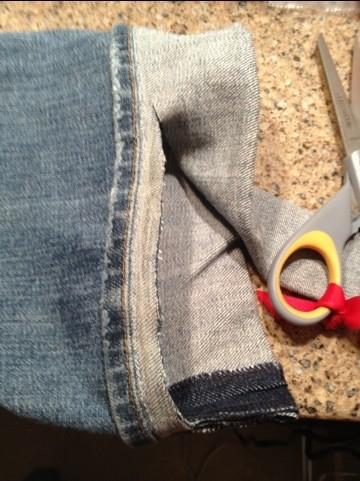 Alteration-my-new-favorite-way-to-keep-original-hem-on-jeans